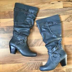 RIALTO Coralynn Gray Buckles Heeled Slouch Boot 7